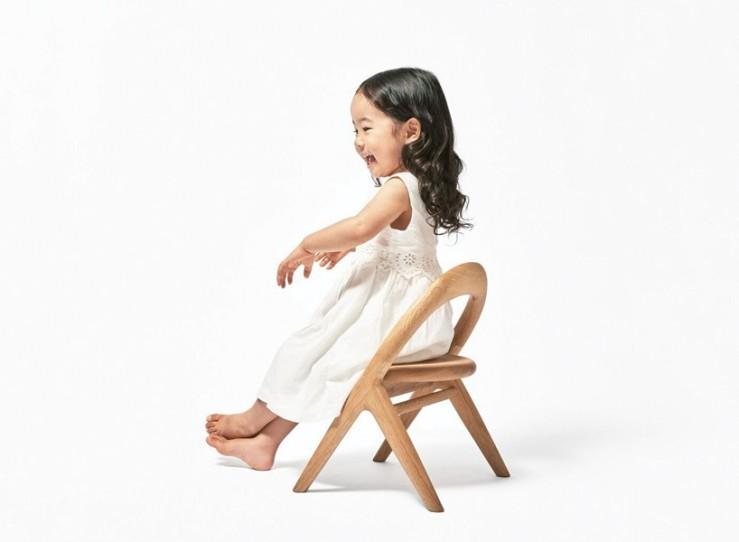mikiya-kobayashi-kimi-no-isu-chair-designboom-newsletter1-818x600